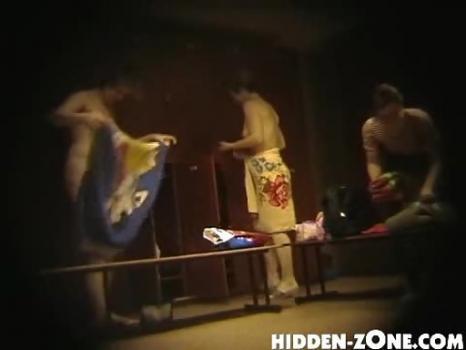 Hidden-Zone.com-Lo6# Voyeur video from locker room