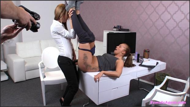 Fakehub.com- Agent Fucks Cute Ponytail Babe With A Thick Strap-on-