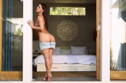 melisa-mendini-come-into-my-bedroom_dsc2164.jpg