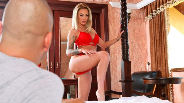 NF Busty – Isabelle Deltore