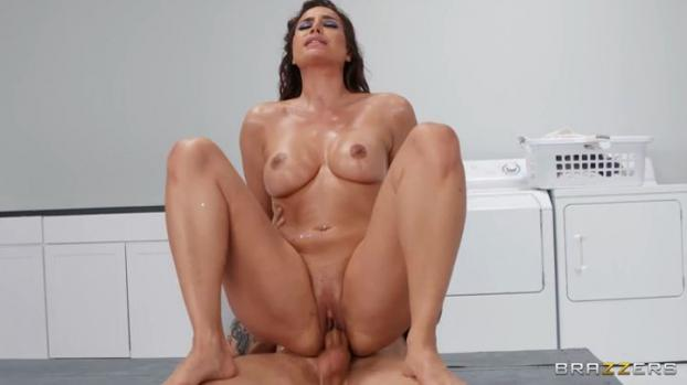 BrazzersExxtra 20 05 24 Desiree Dulce Out From The Deep XXX MP4-SDCLiP