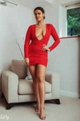 brook_wright_lady_in_red_01.jpg