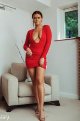 brook_wright_lady_in_red_02.jpg