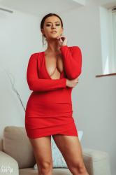 brook_wright_lady_in_red_04.jpg