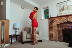 brook_wright_lady_in_red_06.jpg