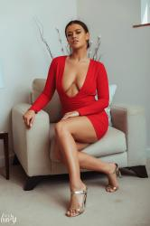 brook_wright_lady_in_red_08.jpg