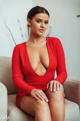 brook_wright_lady_in_red_09.jpg