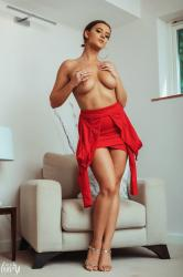 brook_wright_lady_in_red_38.jpg