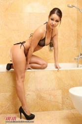 melisamendinimedia-melisamendiniworld-bathroom-4-privat.jpg