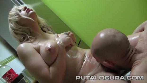 Putalocura.com- Jugando con la nata! - Blondie