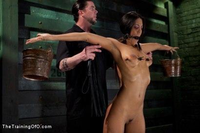 Kink.com- Slave Training Lyla StormDay 2-Endurance Testing