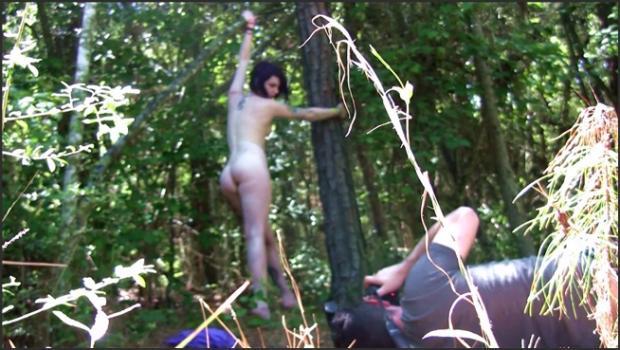 David-nudes_com- Elizabeth Louisiana Forest Nudes
