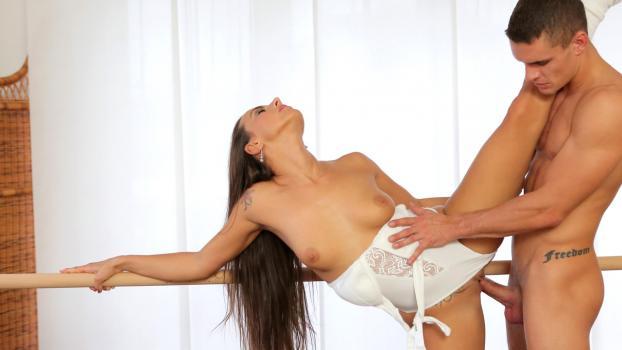 Nubiles--Porn.com- Flexible Form - S1:E9 - Mea Melone