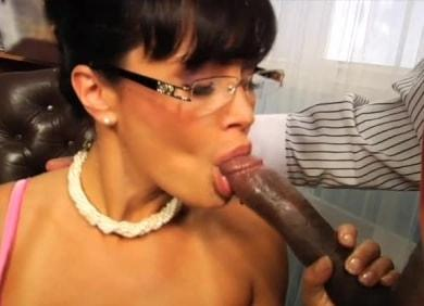 Hustler.com- Lisa Ann in Hollywood_s Nailin_ Palin