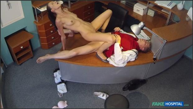 Fakehub.com- Cock hungry patient wastes no time-Laura Obrien