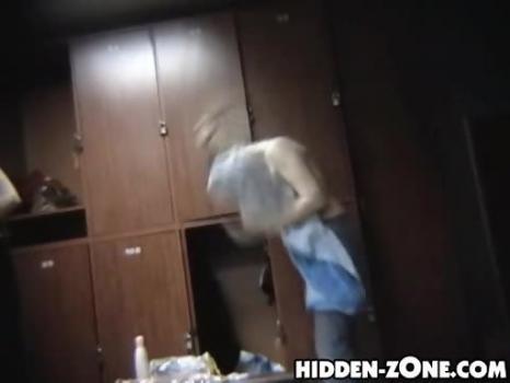 Hidden-Zone.com-Lo231# Voyeur video from locker room