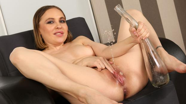 Wetandpissy.com- Lexy Star in Paddling in Pee
